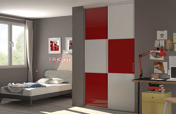 fabulous porte de placard design rouge et blanche with. Black Bedroom Furniture Sets. Home Design Ideas